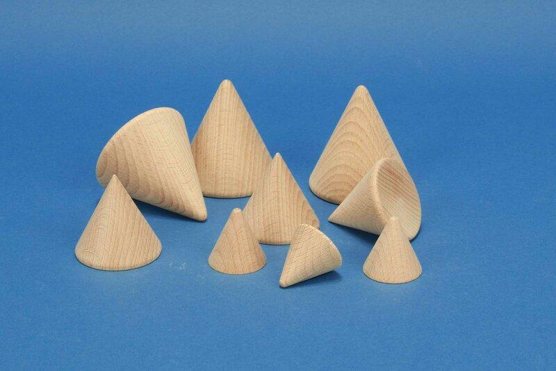corps géométrique cônes en bois