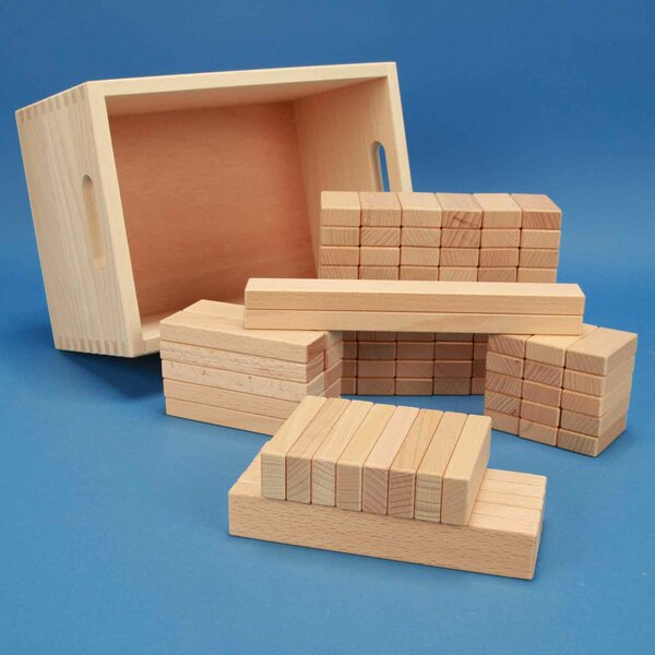 Jeu de 100 cubes en bois dans une caisse de rangement en hêtre