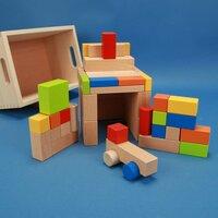 Jeu de 50 blocs en bois coloré avec auto dans un caisse de hetre