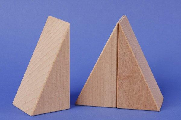 triangles en bois 9 x 4,5 x 3 cm