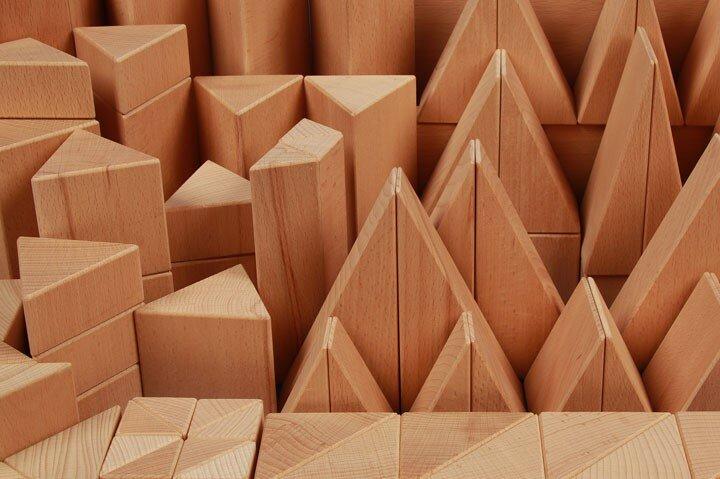 cubes en bois triangulaires