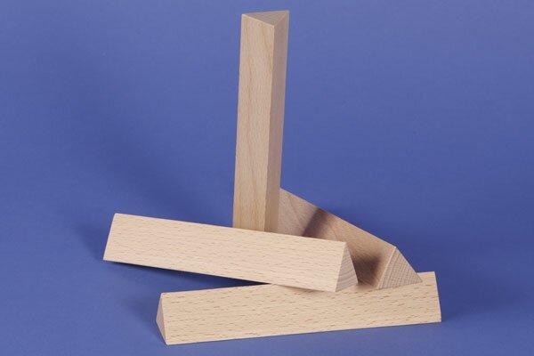 colonnes triangulaires 3 x 3 x 18 cm