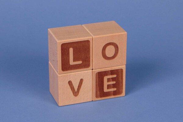 """Cubes en lettres """" LOVE """""""