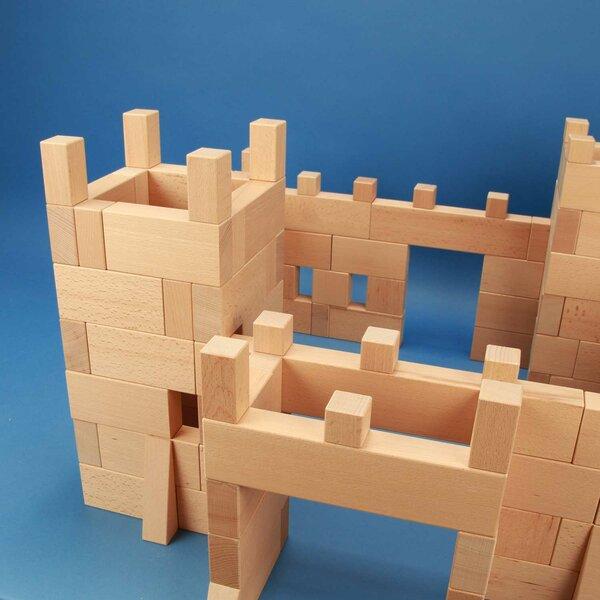 Château-fort de 170 blocs en bois dans caisses + laserengraving