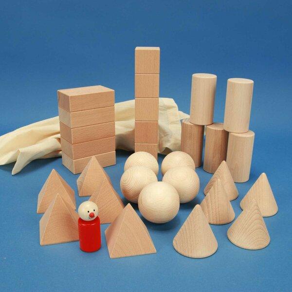 Set solides géométriques avec cubes en bois