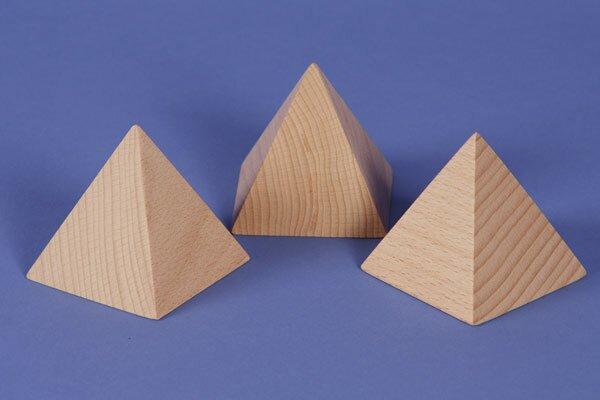 Pyramide grande en hêtre 7 x 7 x 7 cm
