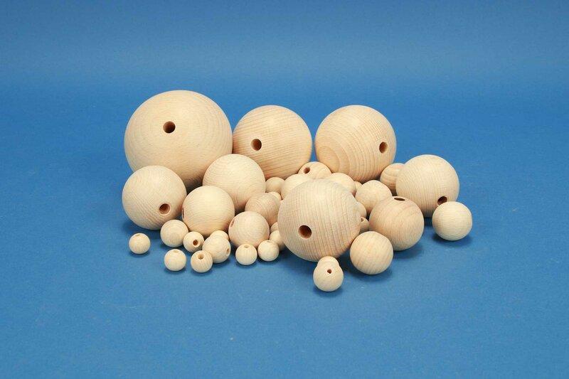 Boules en bois percés