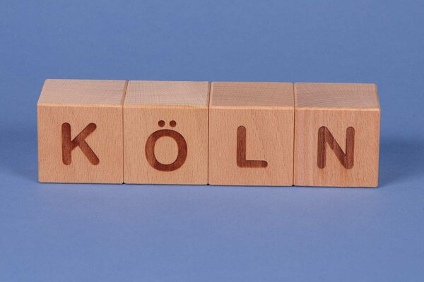 """Cubes en lettres """" KÖLN """""""