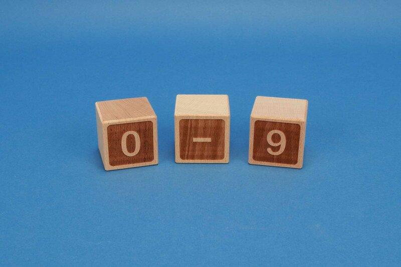 Cubes en numéro 0-9 négatif