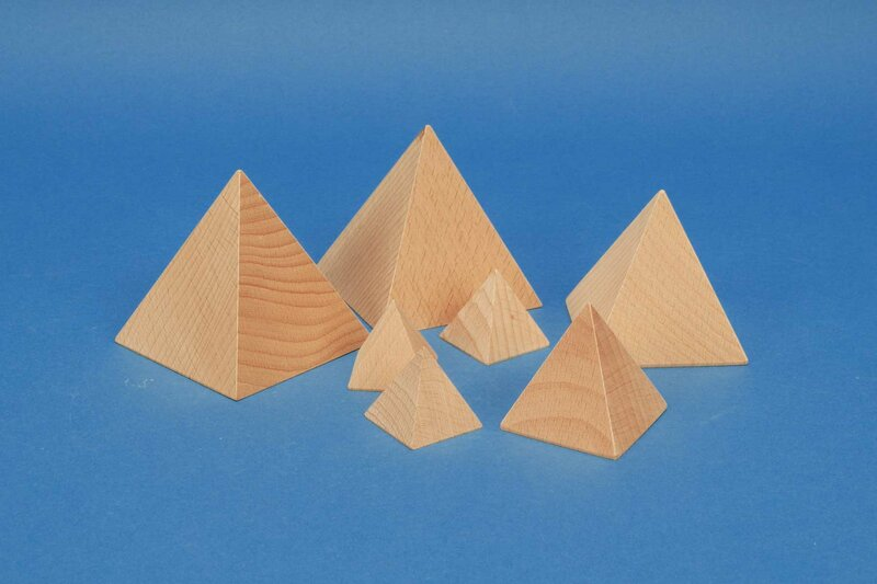 Pyramides en bois